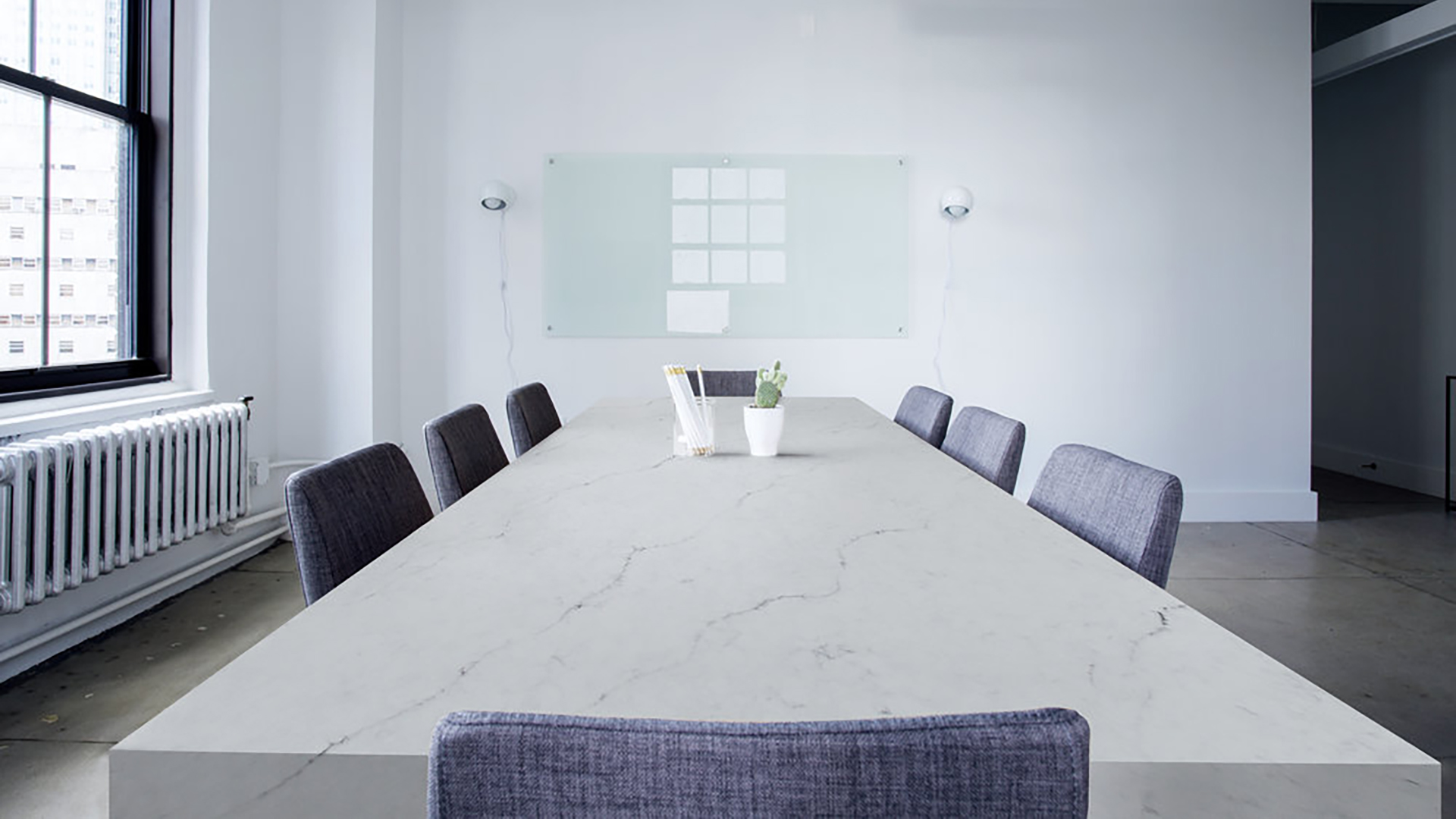 colorquartz-bianco-luna-tavolo